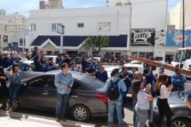 Movilización de trabajadores de la SCPL frente al Concejo Deliberante