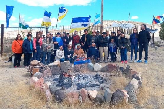 Loma Torta. Ceremonia de despedida en Chubut