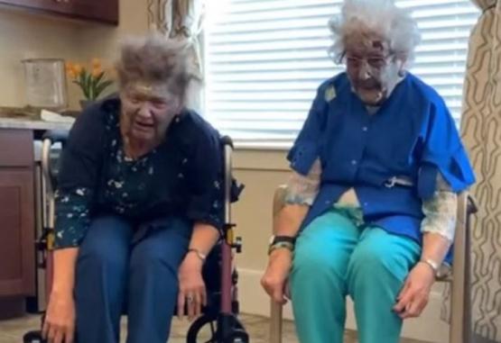 Captura del video de los abuelos interpretando la coreografía.
