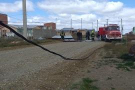 Por los fuertes vientos se cayeron cables en el San Benito