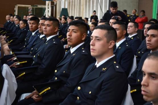 Oficiales de la Escuela de Policía.