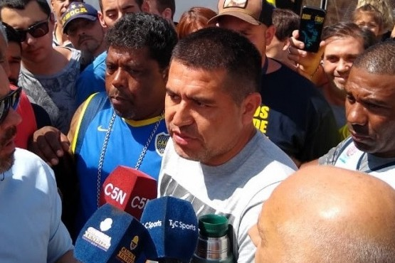 Riquelme hizo declaraciones a los medios.