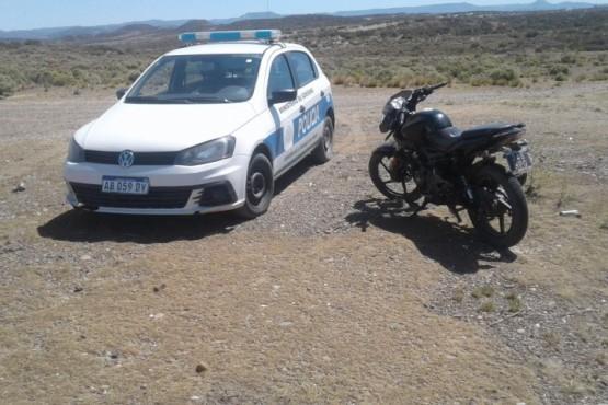 Encontraron una moto robada en un descampado