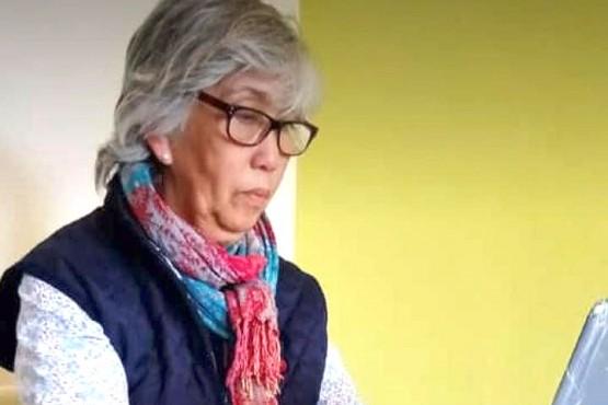 Dora López.