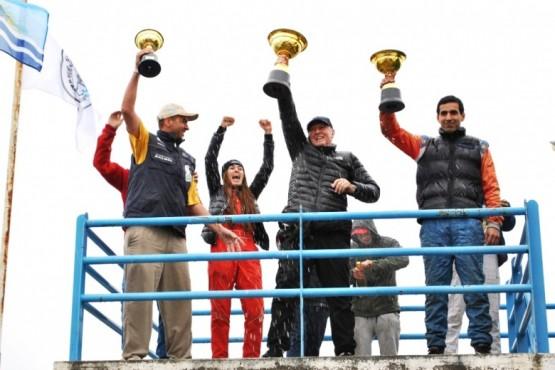 Los campeones festejaron en el tradicional podio.