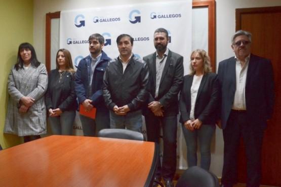 Pablo Grasso junto a su gabinete (M.G)..