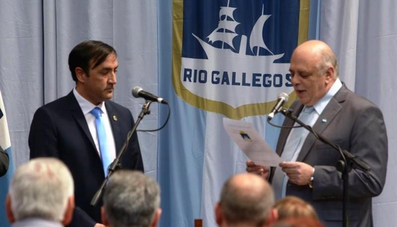 Pablo Grasso y Roberto Giubetich en el cambio de gestión (Foto: C.Robledo).)