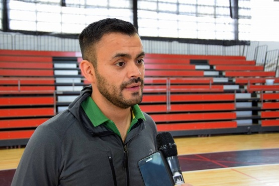 Profesor Sergio Vilche, director de Deportes.