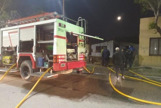 Bomberos sofocó incendio en vivienda