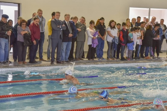 Arcioni inauguró el Natatorio Municipal