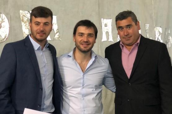 Torres participó del aniversario de Aldea Apeleg