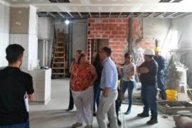 Aguilera visitó la obra de ampliación del Hospital Regional