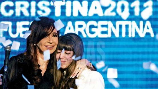 Cristina junto a Florencia.