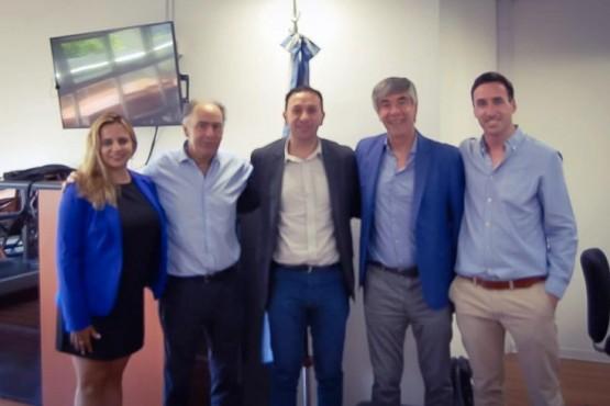 Intendente Maderna junto al presidente del Instituto Nacional de Asociativismo y Economía Social (INAES), Mario Cafiero.