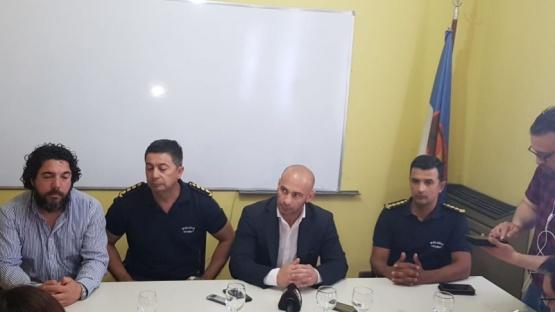 Conferencia de prensa tras los resultados.