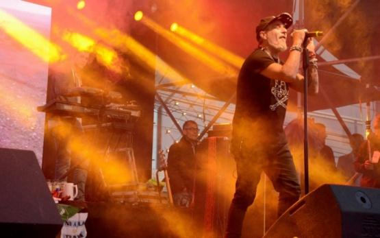 Kapanga en pleno show. (F.C)
