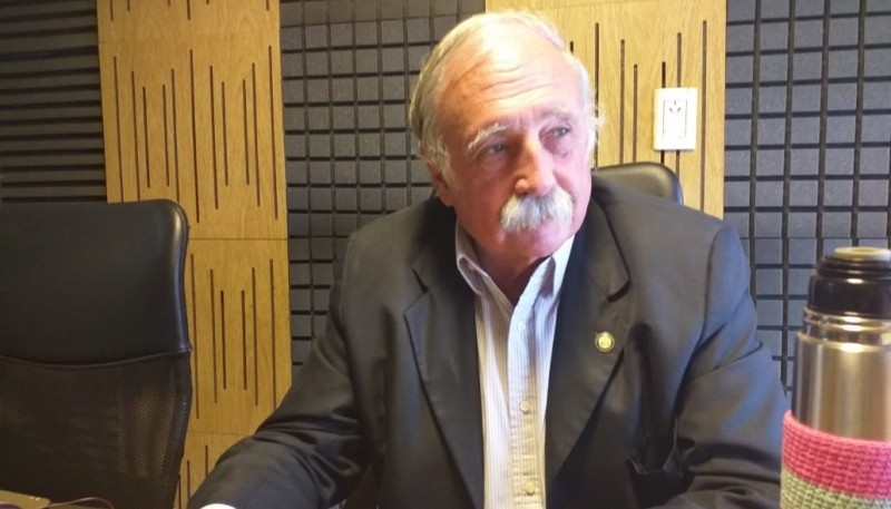 Javier de Urquiza sostuvo que se hace cumplir la ley en cuanto al uso del agua pública.