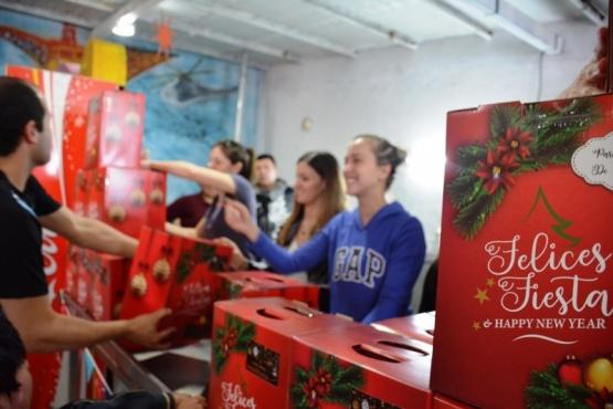 Las cajas entregadas (Foto: C.Robledo)