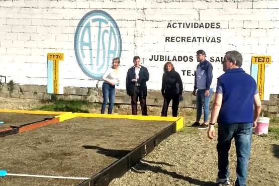 El tejo es furor para jóvenes y adultos en Río Gallegos.