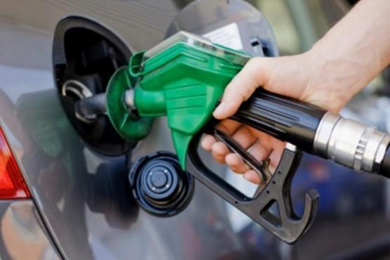 Rechazan una nueva tasa para combustibles