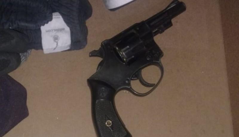 Detuvieron a un hombre por portación de armas