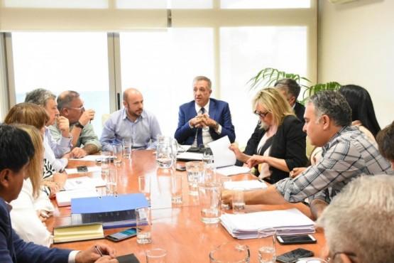 Presupuesto 2020: Están reunidos los diputados con el ministro Antonena