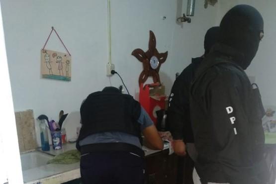 Allanamientos tras robo a una verdulería