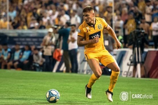 Leonardo Gil ante Boca, con la de Rosario Central.