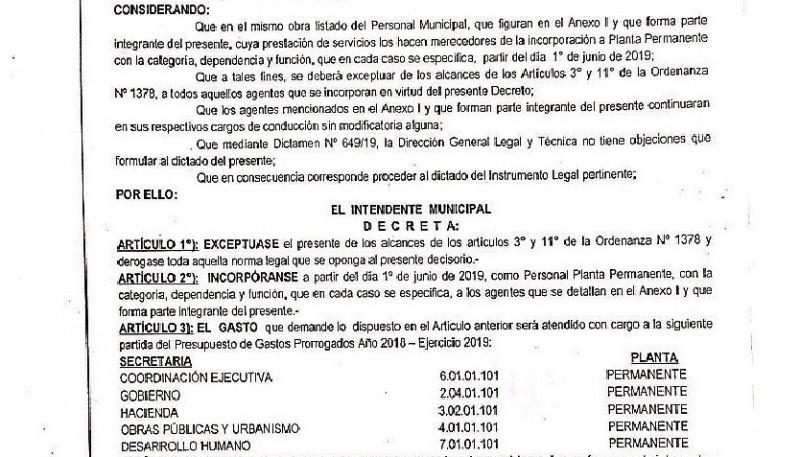 El Decreto lleva la firma de los funcionarios salientes.