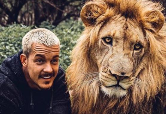 El cuidador junto al león. Foto; Instagram Dean Schneider