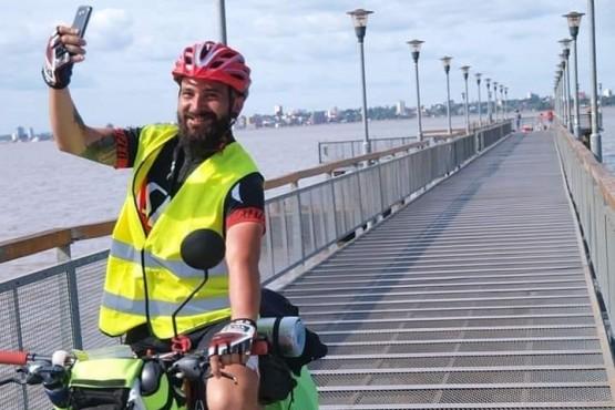 La aventura de pedalear el país por la contracultura