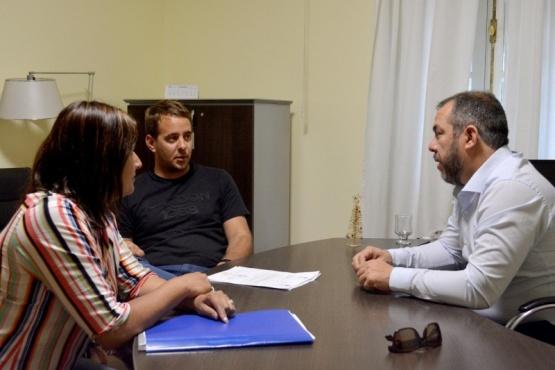 El Ministro Grazzini recibió al Jefe Comunal de Gastre.