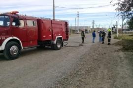 Una albañil rompió un caño de gas