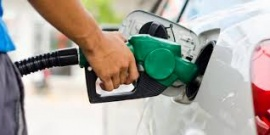Gobierno prorrogó una suba de impuestos y evitó un nuevo aumento de los combustibles