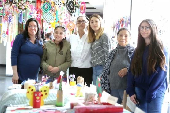 Alumnas del taller de mandalas durante el cierre 2019. (Archivo)