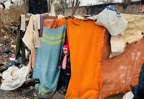 La nena estuvo 5 días en el asentamiento en Ucrania. Foto: Daily Mail.