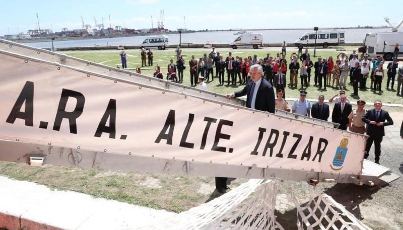Fernández dio inicio a la campaña del rompehielos ARA Almirante Irízar.