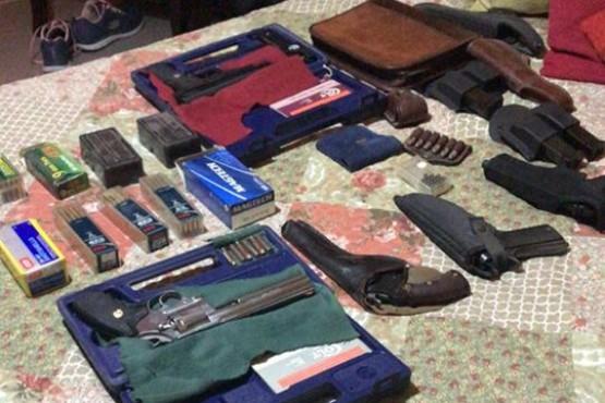 La policía secuestro 11 armas de fuego