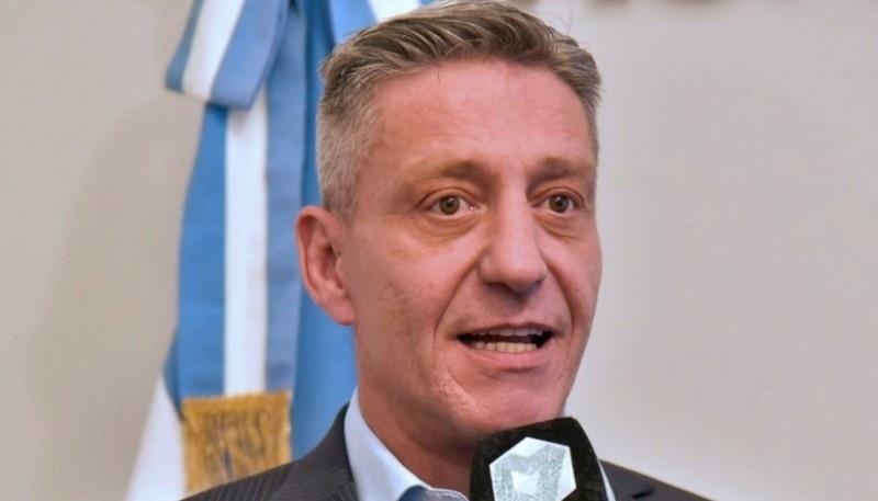 Arcioni se reunió con el Ministro de Economía de la Nación