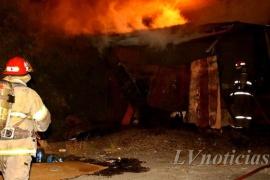 Un galpón donde vivía una persona en situación de calle se prendió fuego