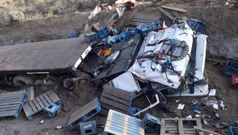 Chofer murió tras volcar cerca de Comodoro Rivadavia