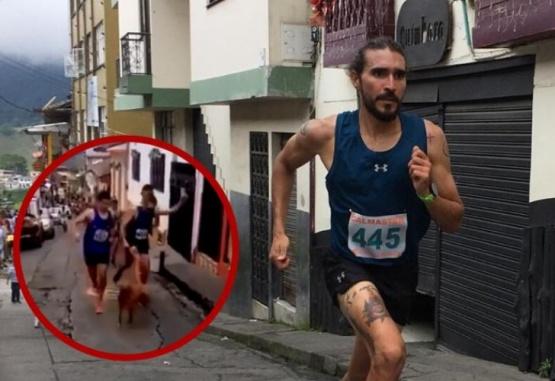Captura de video del momento en que el atleta patea al perro.