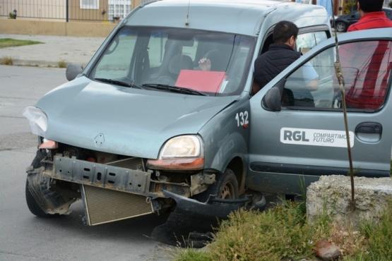 La Kangoo tras la colisión (Foto: F.Capadona).
