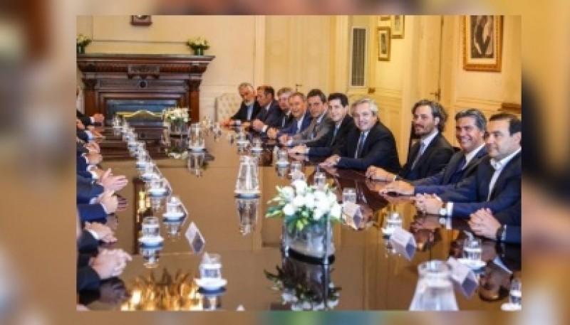 Alberto con gobernadores. (foto archivo)