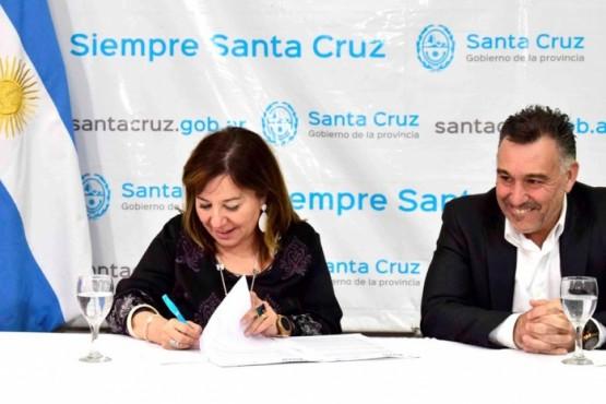 El convenio se firmó en la Sala Gregores de Casa de Gobierno.
