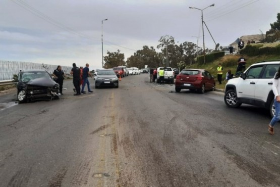 Cuádruple colisión en la Ruta 3 dejó cinco hospitalizados