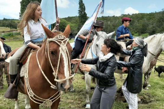 """Funcionarios en la """"Fiesta de la Cordillera"""" en Atilio Viglione"""
