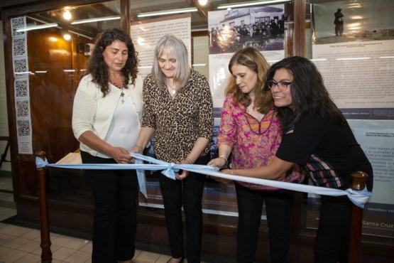 La Senadora Nacional Ana María Ianni inauguró la muestra.
