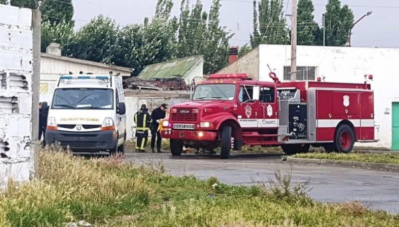 Vivienda de calle Paraguay donde trabajaron los bomberos y la policía.