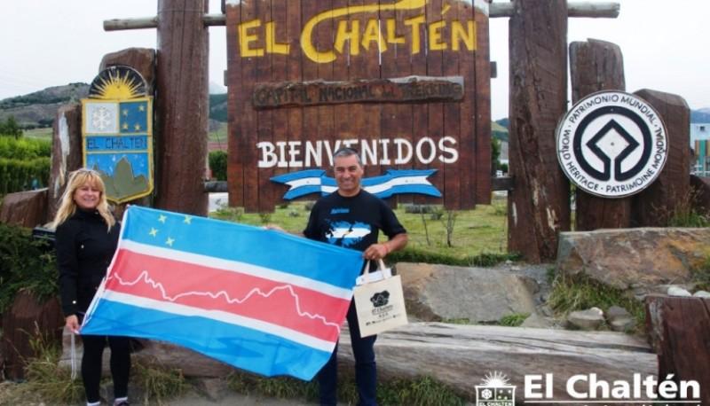 Herrera junto a su esposa en El Chaltén.